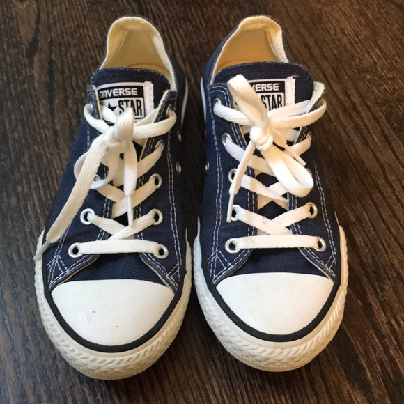 Converse Other - Navy blue lace up converse shoes youth size 2